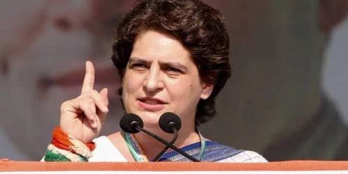 Reject decisive politics of BJP and violence of LDF: Priyanka