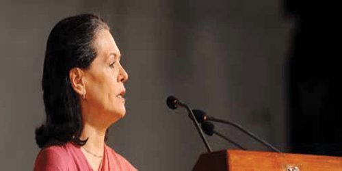 Fighting Covid not a 'Government versus Us' battle but a 'Us versus Corona' battle: Smt. Sonia Gandhi