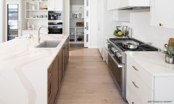 Cambria-Brittanicca-warm-Quartz-Countertop-Kitchen