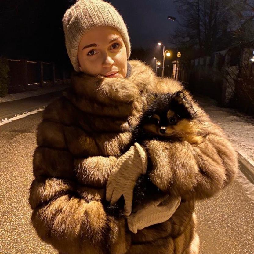 Дочь певицы Славы Александра Морозова ушла из театрального вуза