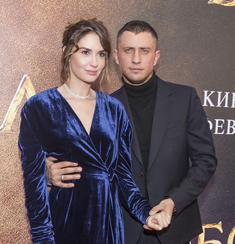 Павел Прилучный и Агата Муцениеце продолжают жить в общем доме после расставания