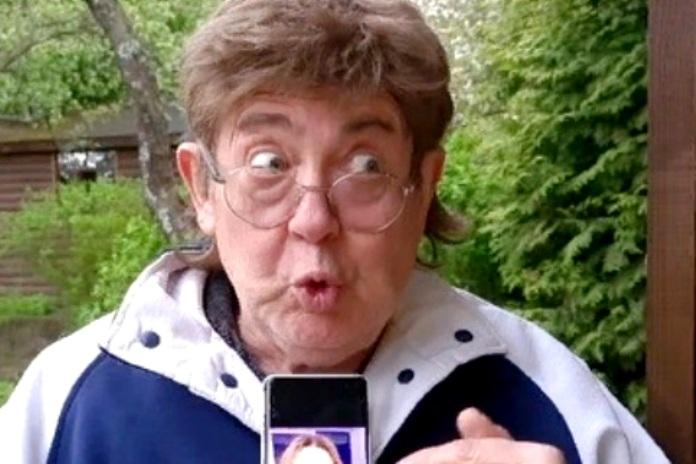Стоянов жестко высмеял Боню: «Ищите чип в своих губах»