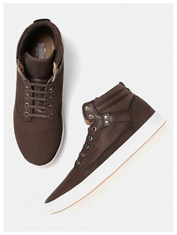 roadster men brown solid mid-top sneakers