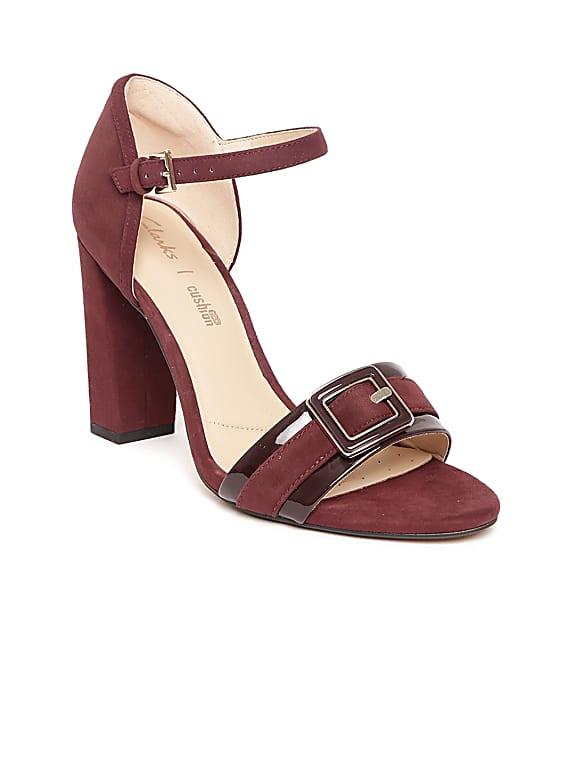 clarks women burgundy solid sandals