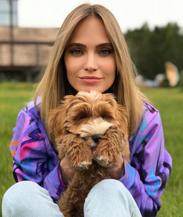 Новая звездная мода: кто из знаменитостей завел собаку за 300 000 рублей?