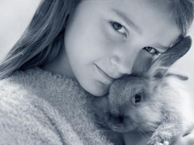 konijn en kind