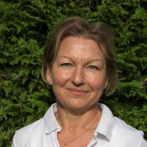Dr. Barbara Arnholz
