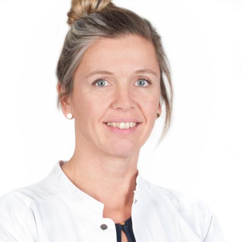 Dr. Nina Glos