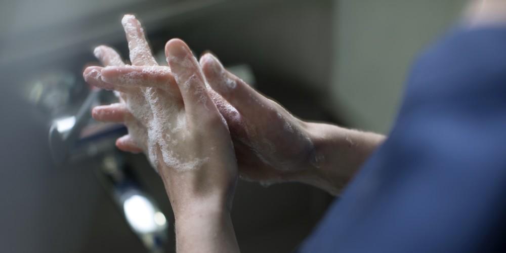 handen wassen corona
