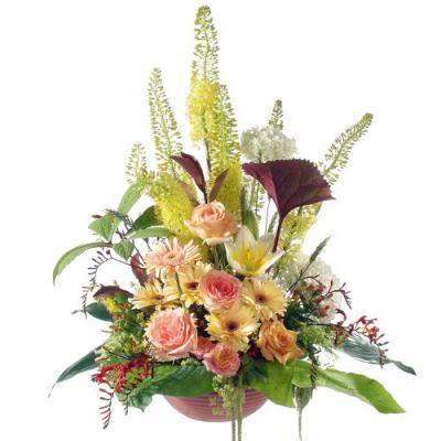 Trauergesteck aus farbenprächtigen Blumen