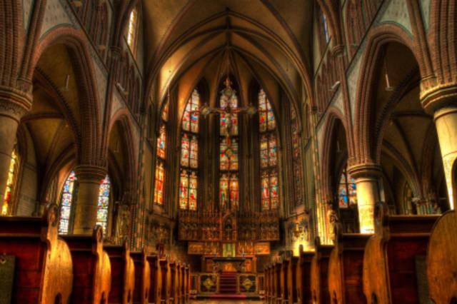 Fotographie einer gothischen Kathedrale.