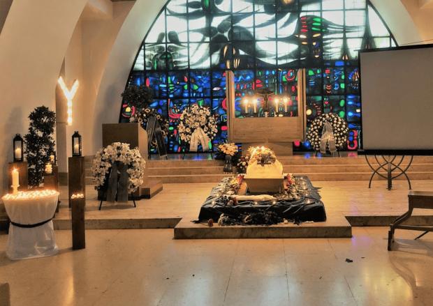 Christliche Trauerfeier mit Aufbahrung