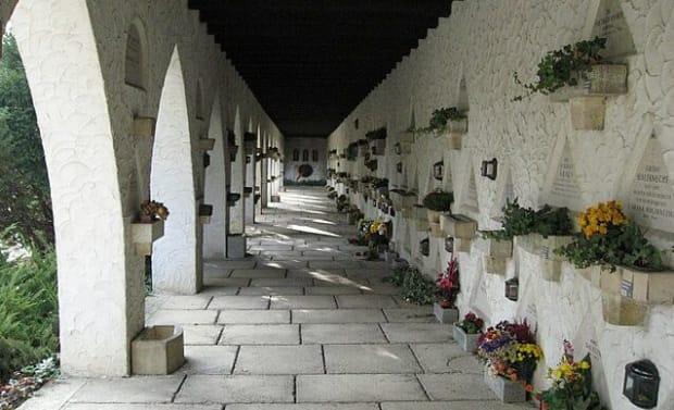 Fotografie des Urnenfriedhof der Feuerhalle Simmering.