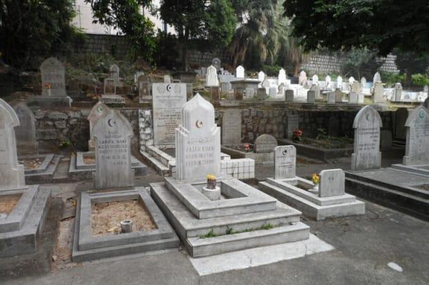 Grabstätten auf einem islamischen Friedhof