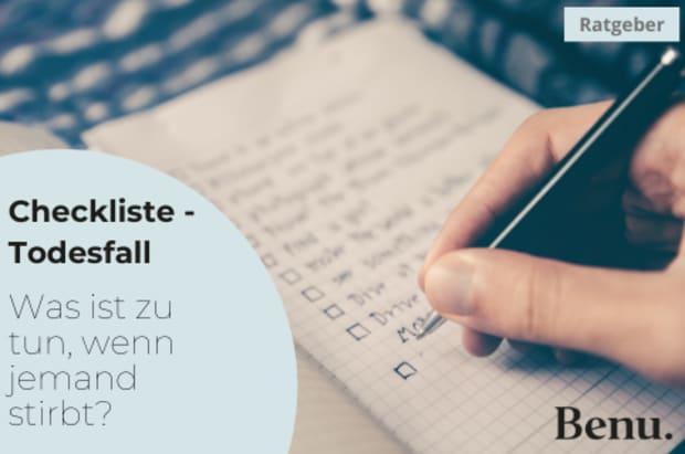 Notizbuch mit einer Checkliste