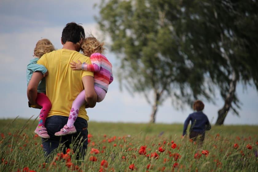 juliane-liebermann-familie vorsorge und versicherung_unsplash.jpg