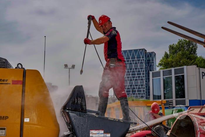 Zuidas: Nhow; reinigen betonpomp