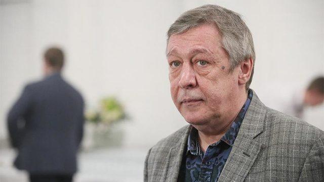 «Ефремов - не олигарх»: адвокат Ефремова прокомментировал отказ семьи погибшего водителя принять помощь от семьи актера