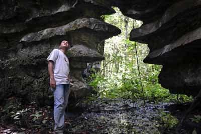 Bukit Berbatu Puruk Bahio di Tumbang Olong