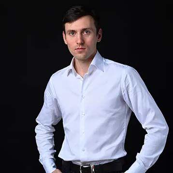 Александр Заречнев - актёр театрального дома «Старый Арбат»