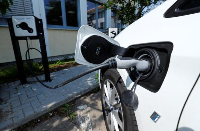 UP gives nod for e-charging facilities in 8 cities under the smart city  projects - Energy News India- Power News India, Energy, Oil and Gas News