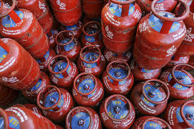 """Photo of India""""s Ujjwala scheme provided LPG access, but failed to promote its use: Study"""
