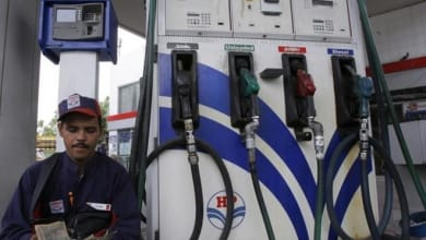 Photo of State oil cos offering cashback, discounts at petrol pumps to fight competition