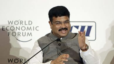 Photo of Rosneft, IOC sign pact for crude supply; Pradhan discusses BPCL sale with Sechin