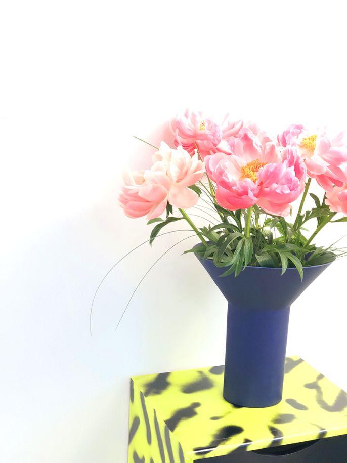 Totemic Indigo Vase - Geert Lap