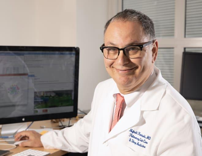 Dr. Naftali Kaminski, Professor of Medicine (Pulmonary) at Yale School of Medicine, works with single cell data on his monitor.