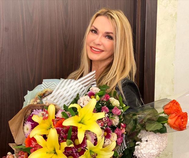 Ольга Сумская с дочерьми: актриса поделилась красивыми кадрами семейной фотосессии