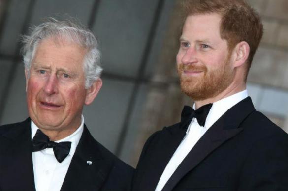 Расходы принца Гарри оплачивает его отец