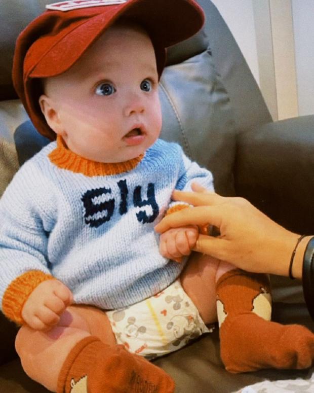 Эмили Ратаковски впервые показала фото 6-месячного сына Сильвестера