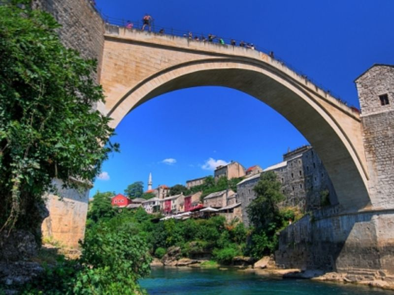 Mostar's rebuilt 'old bridge' (BiH), considered a symbol of reconciliation (Kevin Botto, Flickr).