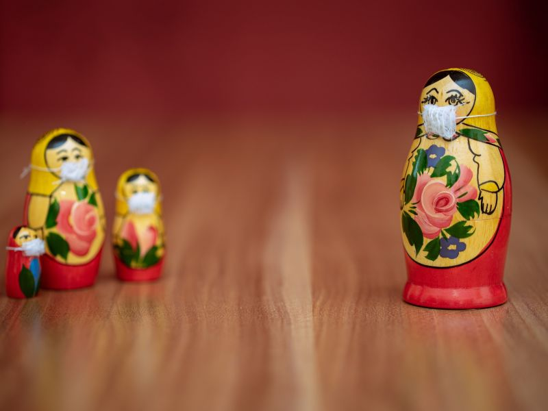 Russian dolls wear COVID-19 facemasks, Evgeni Tcherkasski, Unsplash