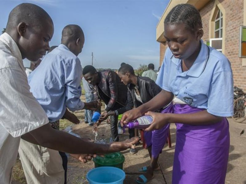Malawi hand washing practices ahead of a three week lockdown.