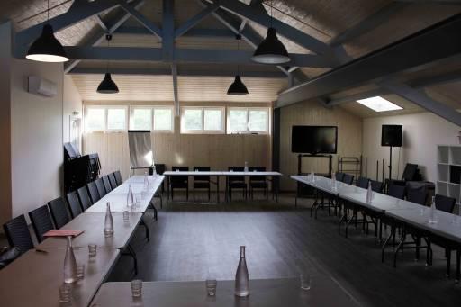 Grande salle de séminaire au Bosc Negre pour votre réunion de travail
