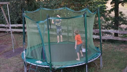 Trampoline in de speeltuit van Bosc Negre
