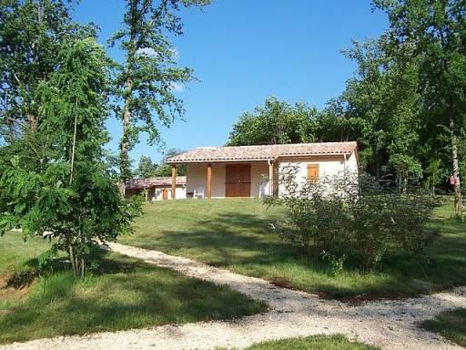 Vakantiehuisjes op de heuvel op de Bosc Negre