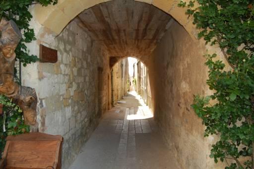 Een van de prachtige straatjes van Monpazier