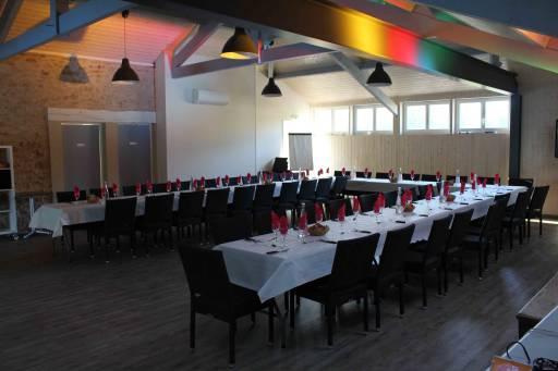 Salle pour 80 personnes