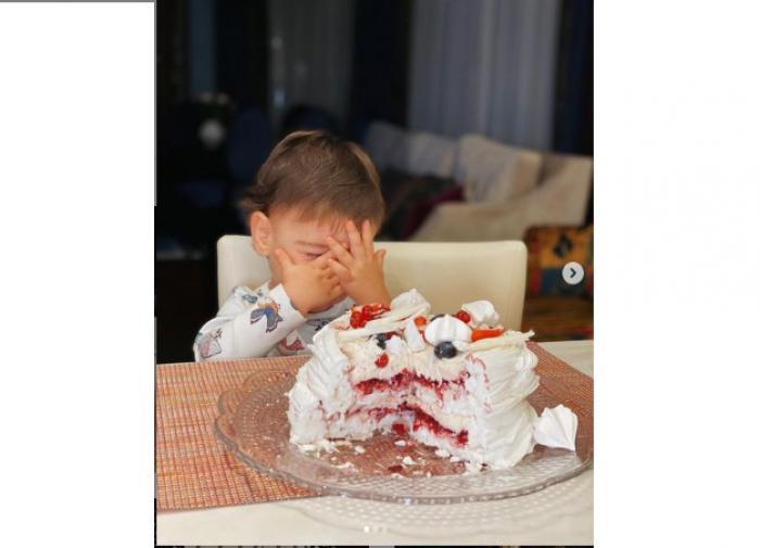"""Брухунова отпраздновала знаменательную дату: """"Вагану исполнилось год и семь"""""""