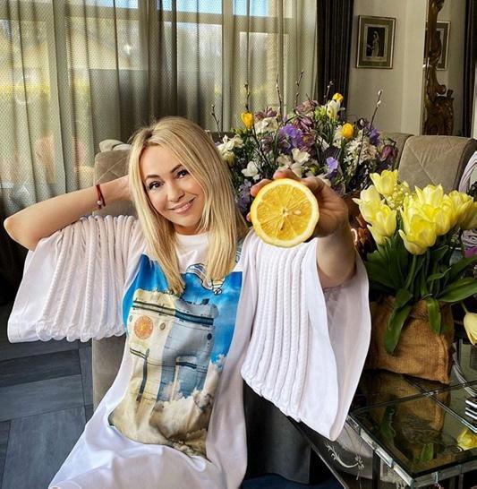 Яна Рудковская призвала прекратить травлю Регины Тодоренко из-за ее высказываний о насилии в семье