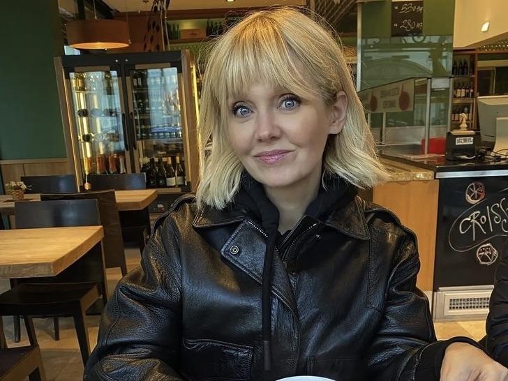«По-голливудски сказочная»: Валерия в сексуальном боди и глянцевых ботфортах поработала на камеру