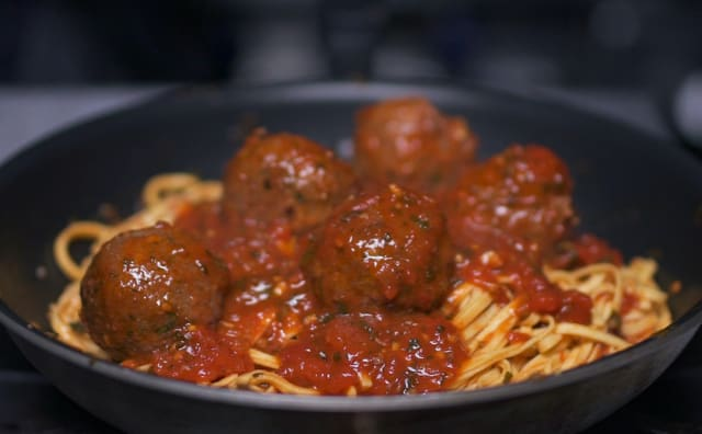 Meatball_cooking_01