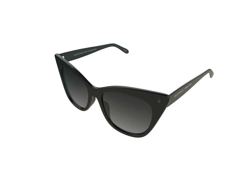 0818893022722-angle-prive-revaux-sonnenbrille-prive-revaux-the-mister-black