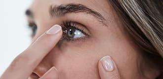 Kontaktlinsen einsetzen