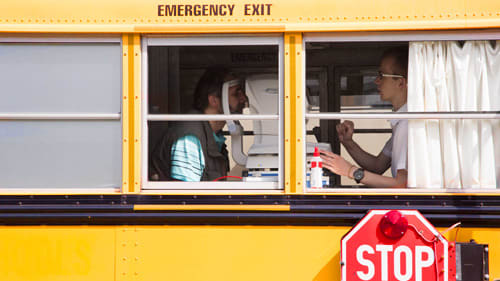 Mobiler Sehtest bei der Autofahrer-Studie