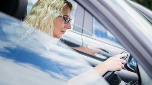 Viele Autofahrer überschätzen ihre Sehleistung