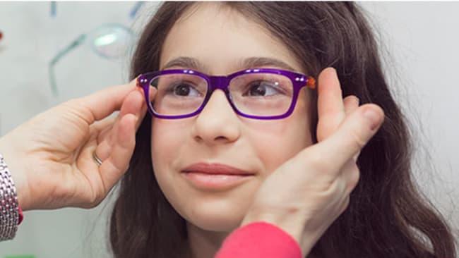 Sitz und Funktion von Kinderbrillen